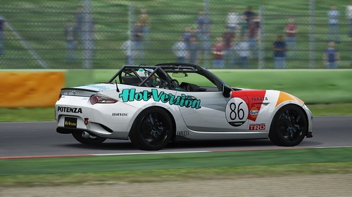 Mazda MX5 Cup - Hot Version - Media 4h race 2015 (5)