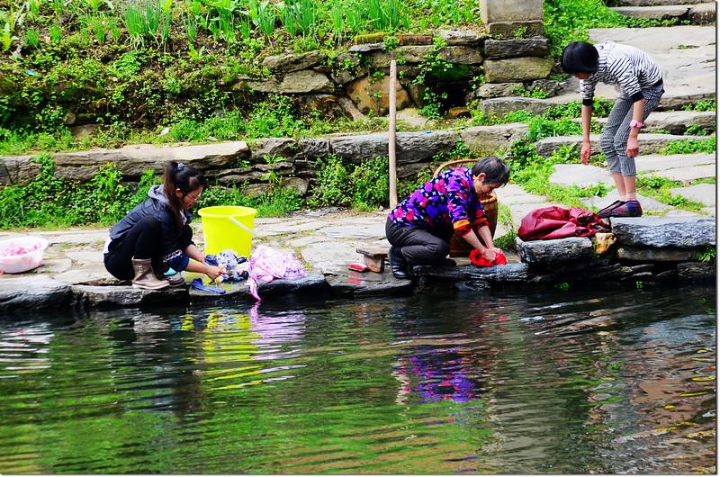 溪邊的洗衣婦 1