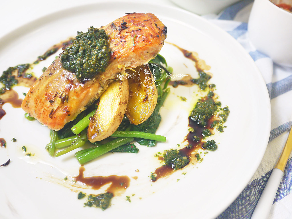 孤身廚房-烤鮭魚排佐香料烤南瓜及蒜香皇宮菜23