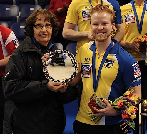 Victoria B.C.April 7,2013.Ford Men's World Curling Championship.Sweden skip Niklas Edin,Sportsmanship Award.CCA/michael burns photo | by seasonofchampions