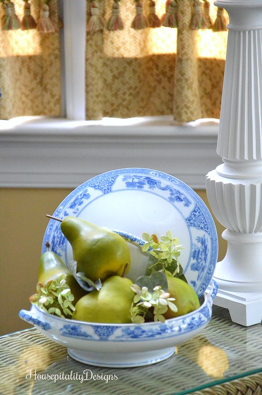 Blue and White Porcelain Covered Dish/Pears - Housepitality Designs