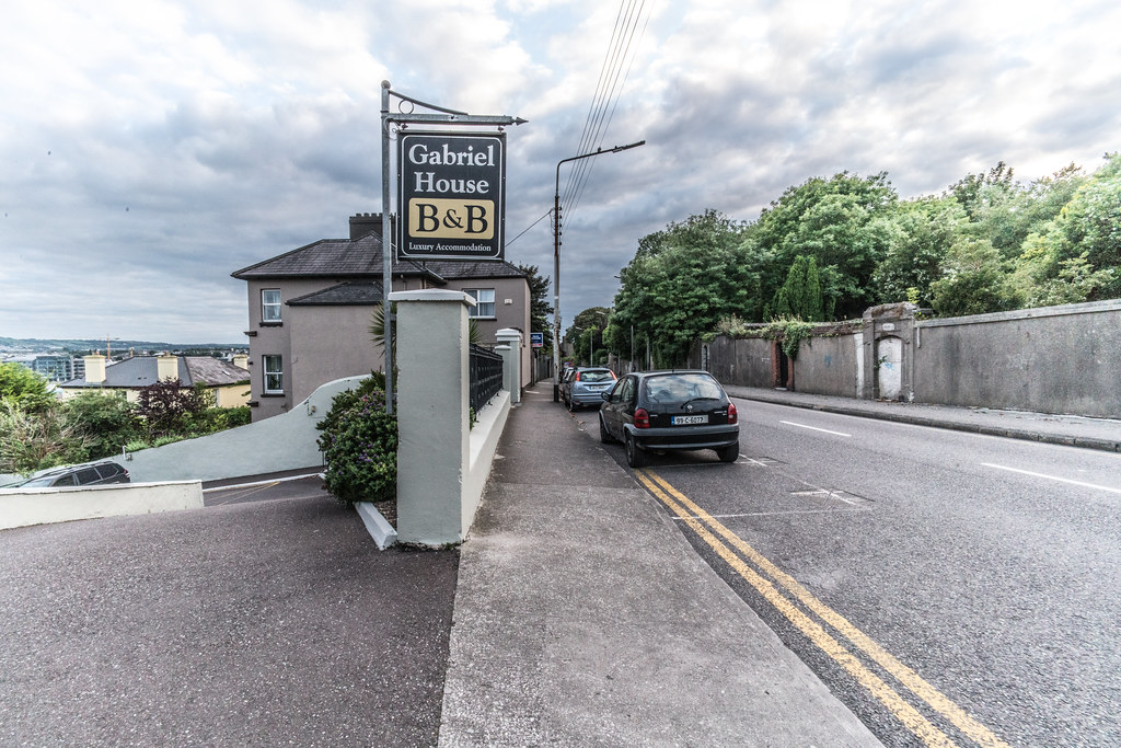 IT IS IMPOSSIBLE NOT TO RECOMMEND THIS GUEST HOUSE [ST. LUKE'S AREA OF CORK]-120629
