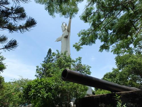 jesus-statue-4