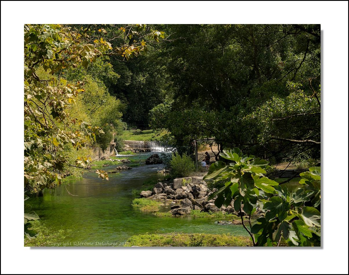 Fontaine de Vaucluse 29164574060_c370b9478a_o