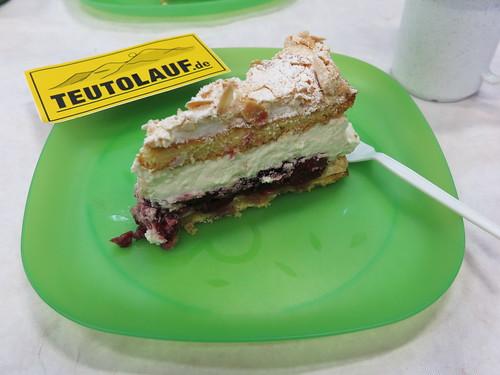 Mandel-Sahne-Kirsch-Torte (beim Teutolauf)