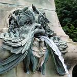 Hasenbergsteige Gänsepeterbrunnen2