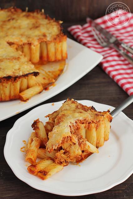 Pastel de macarrones con atún y tomate www.cocinandoentreolivos.com (13)