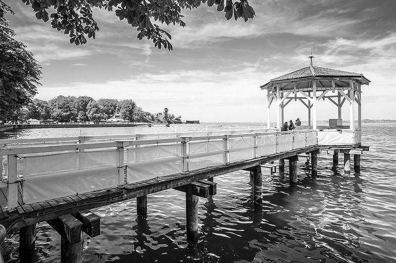 Mirador en el lago