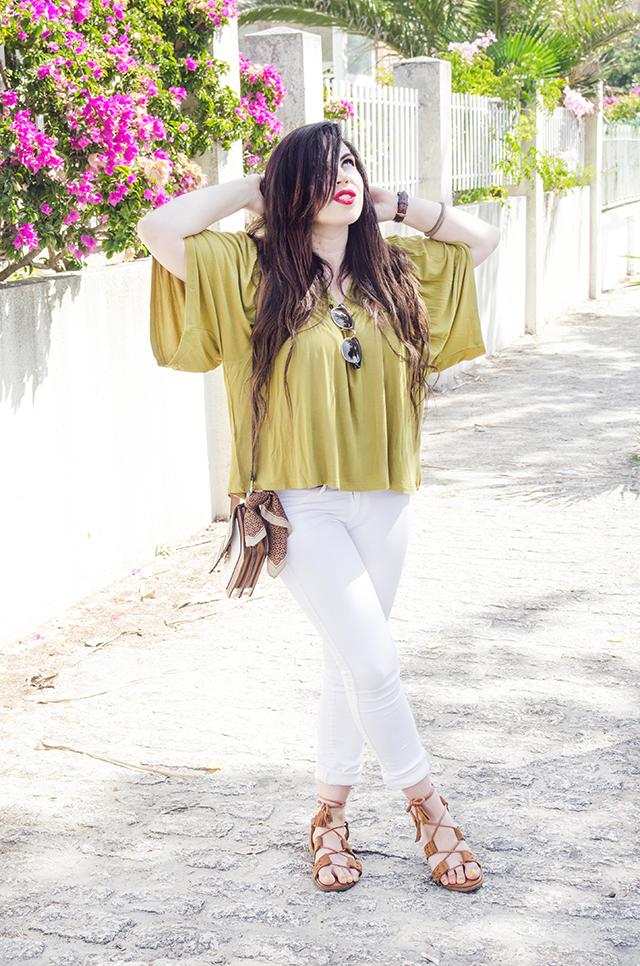 5 ideas para combinar una blusa verde lima