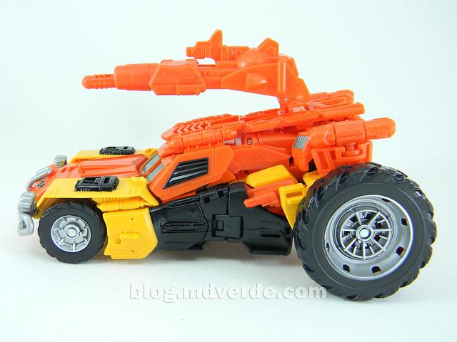 Transformers Sandstorm Voyager - Transformers Generations Takara - modo automóvil