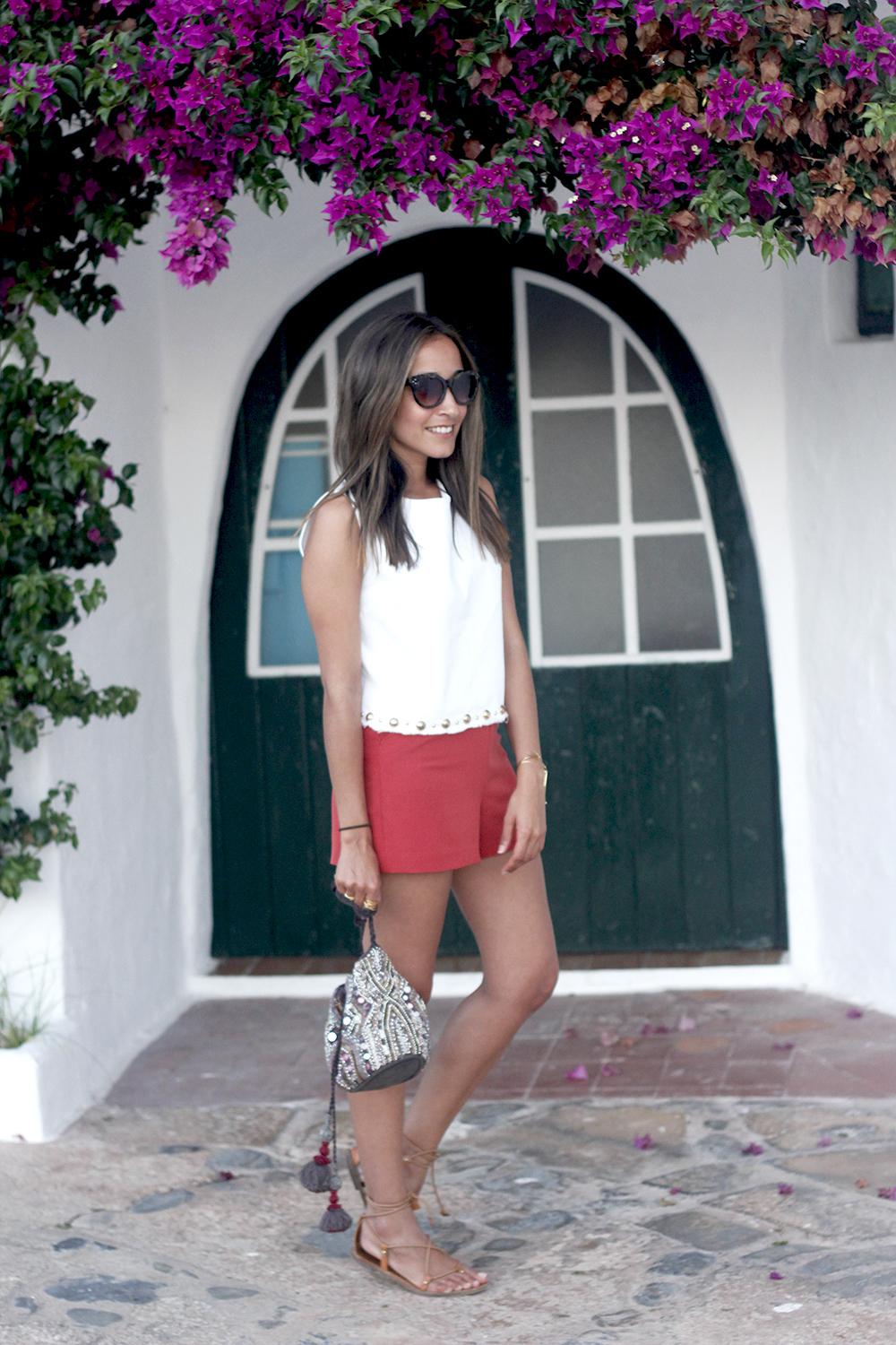 white top with shorts summer outfit flat sandals binibeca menorca13
