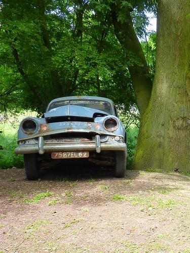 Pas un garage l 39 aronde flickr photo sharing for Garage roost warendin