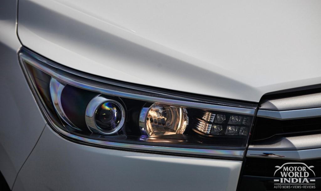 Toyota-Innova-Crysta-Headlight