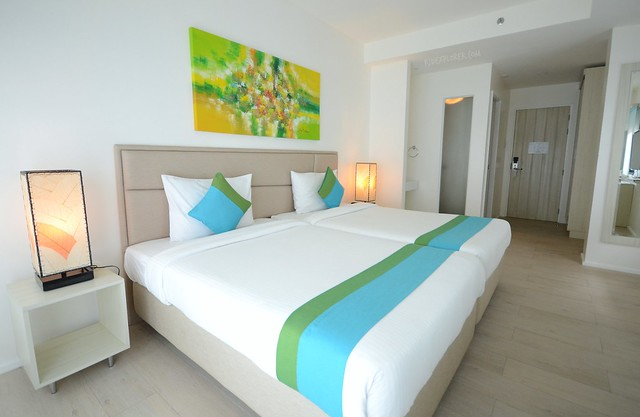 lime hotel boracay deluxe room
