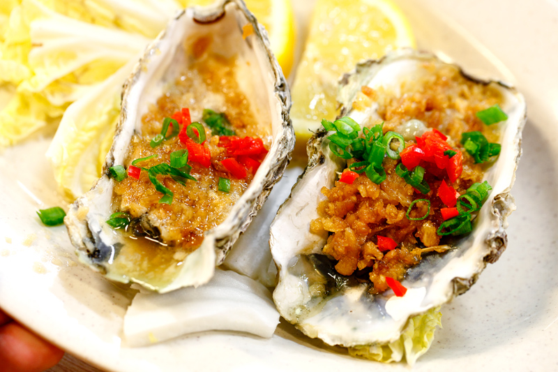 Grilled Oyster with Garlic