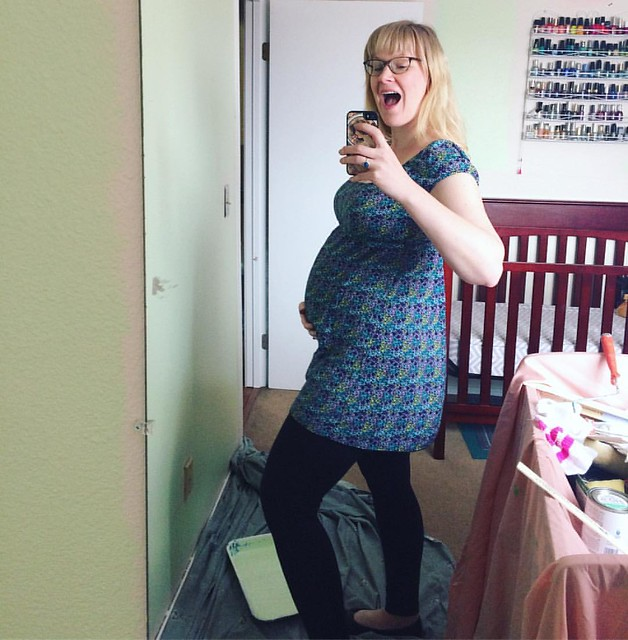 I think maternity clothes make me look even bigger. My child is banana-sized this week! 🍌🍌🍌