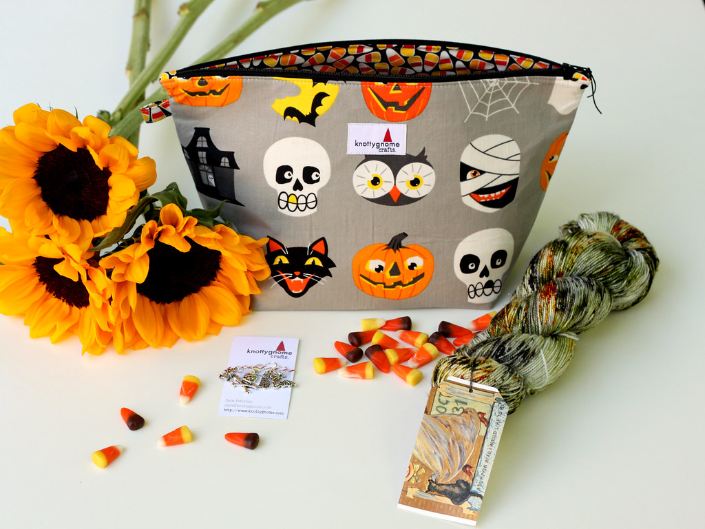 knottygnome crafts / Sonnet of the Moon Limited Edition Halloween Kit