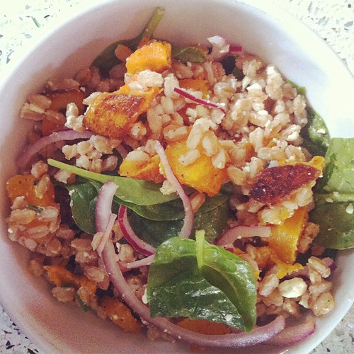 Roasted butternut squash + farro + spinach + feta + pickled red onion + thyme. Thank you smitten for the inspiration! | by Lelonopo