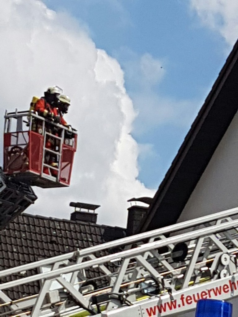 Friedrichstal: Aus Balkonbrand wird Dachstuhlbrand - 24.07.2016