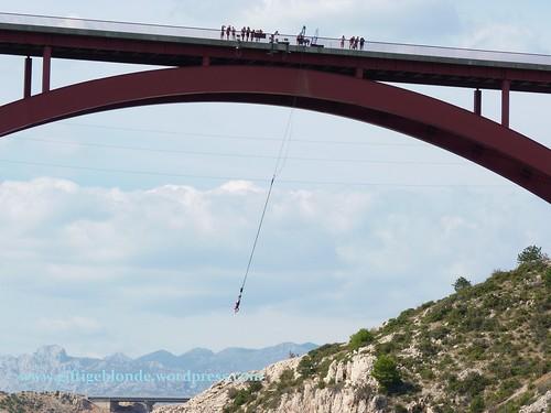 Bungee Jumping von der Maslenica Brücke aus