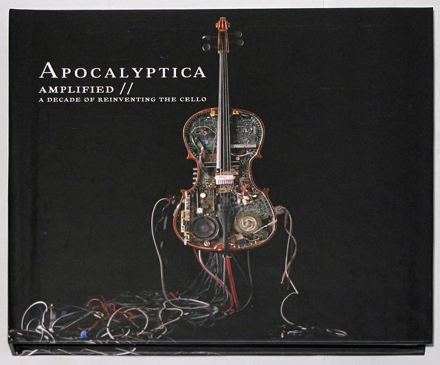 APOCALYPTICA AMPLIFIED // PLAYS METALLICA