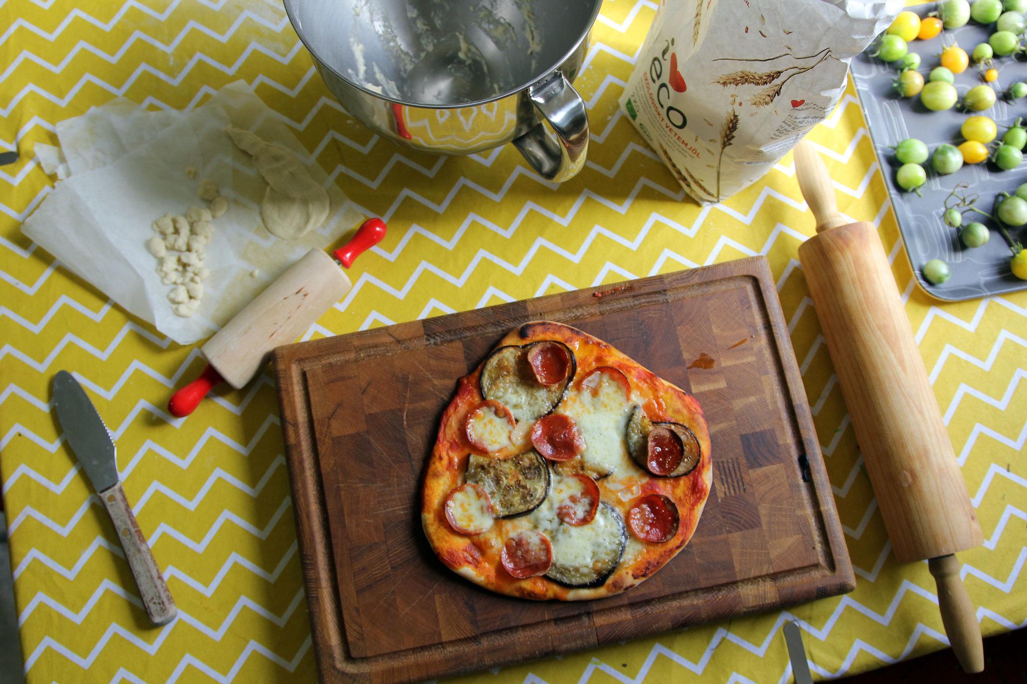 Bästa hemlagade pizzan! Pizzafamiljen tipsar :: Hej Emmisen