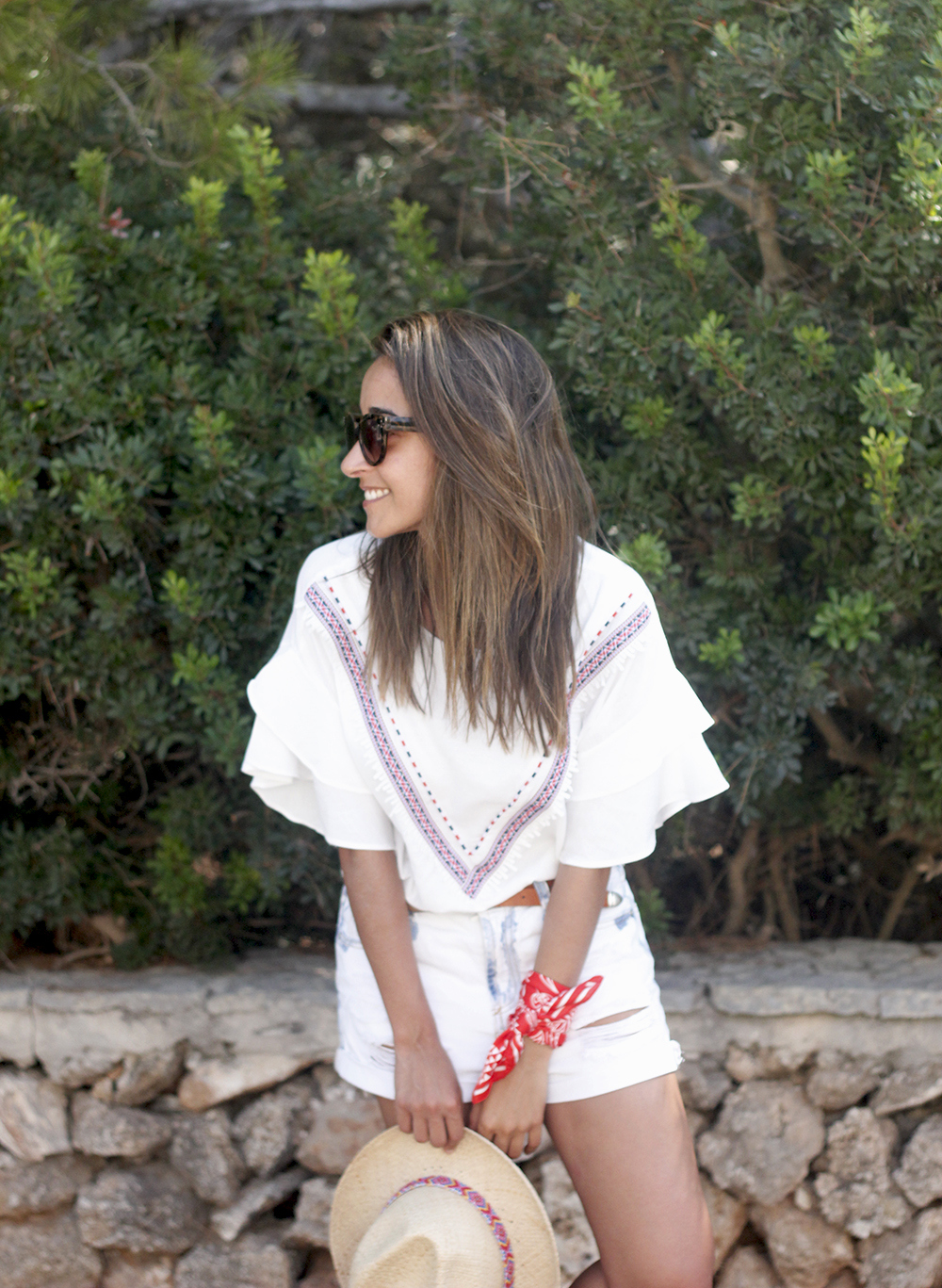 White Summer look bandana beach outfit19