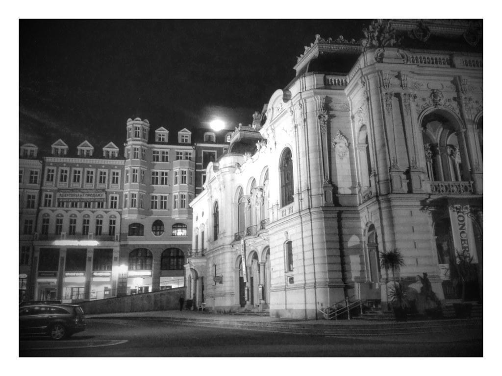 Karlovy Vary by night