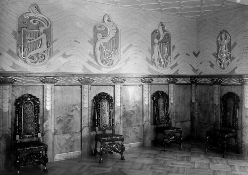 Gerhard Munthe - Fairy-tale Room in the hotel at Holmenkollen, (photo 1) 1901-05