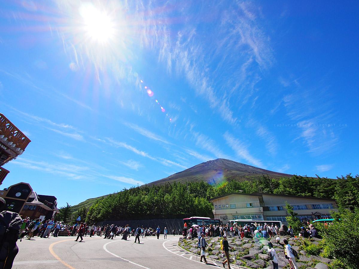 富士山五合目看富士山頂