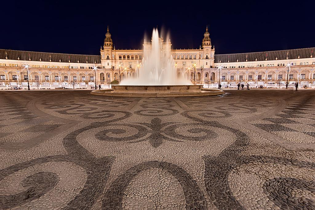 AR12 AR12 Arthur77 (EsPAÑA) - Sevilla Night - Tomada en Plaza de España de Sevilla el 16122015
