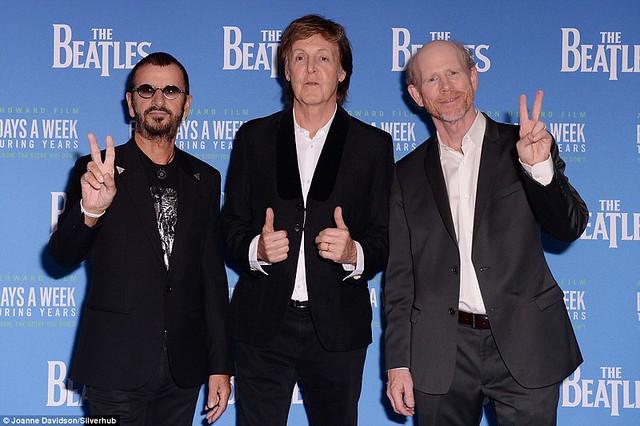 Em Londres, Paul McCartney e Ringo Starr participaram da Premiere de novo filme dos Beatles; Assista aqui