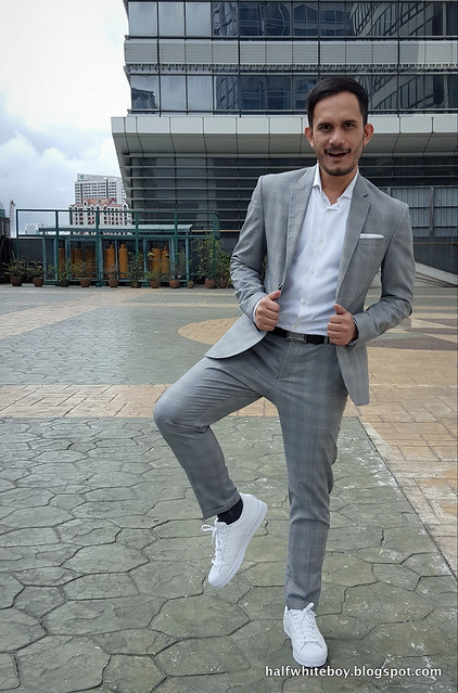 halfwhiteboy gray suit and white sneakers 08