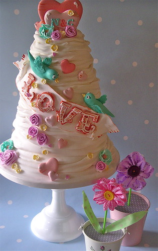 Summer of love wedding cake | by nice icing