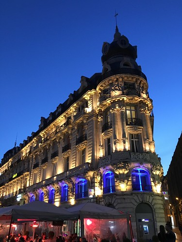 Montpellier building at night