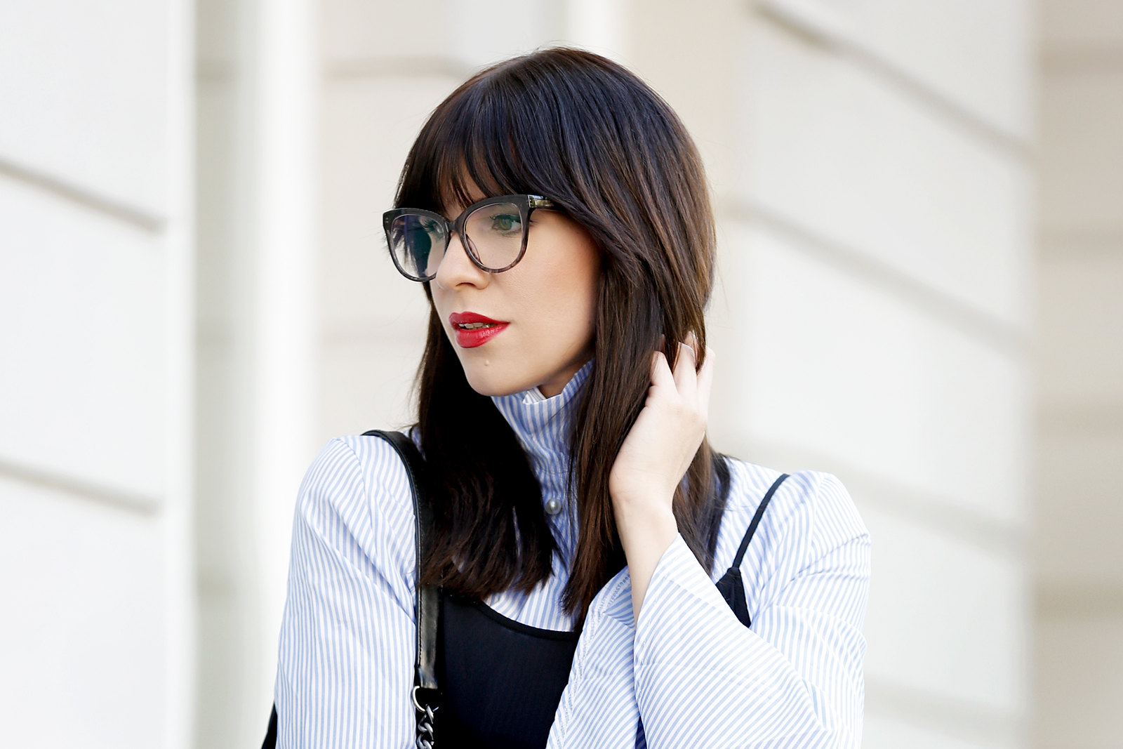 outfit slip dress wide sleeves stripes blogger for mister spex glasses brille brillenkollektion online shop design bangs brunette chanel boy sacha sneakers cats & dogs blog ricarda schernus modeblogger 2