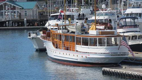 Olympus Motor Yacht