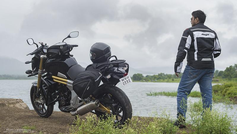 Rider & Mojo 2 (Story Shot)