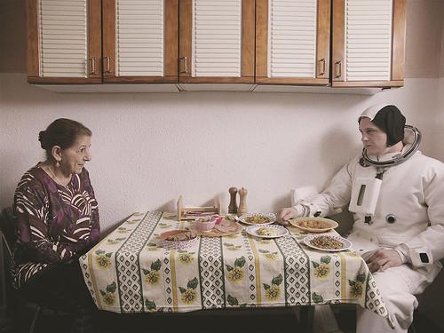 映画『アスファルト』より © 2015 La Camera Deluxe - Maje Productions - Single Man Productions - Jack Stern Productions - Emotions Films UK - Movie Pictures - Film Factory