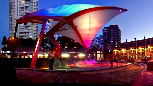 Turntable Plaza / Roundhouse in Yaletown | by Stewart