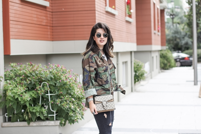 glitter silver booties with vintage army jacket and gucci dionysus bag streetstyle myblueberrynightsblog