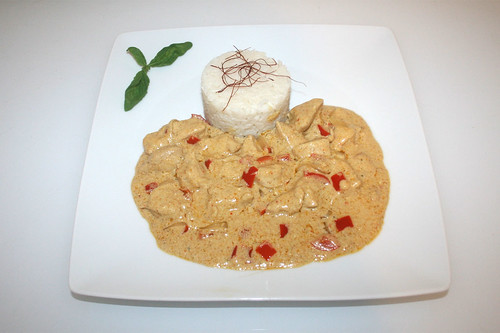 50 - Tandoori turkey in youghurt sauce - Served / Tandoori-Pute in Jooghurtsauce - Serviert