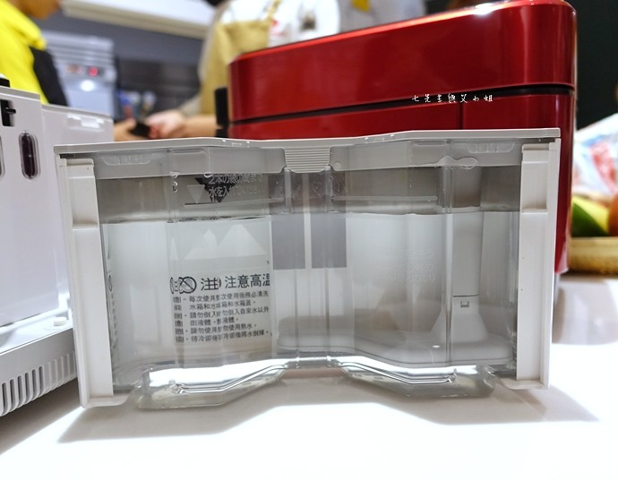 7 MITSUBISHI 三 菱蒸氣回收 IH 電子鍋
