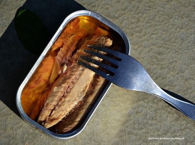 sałatka z portugalskiej makreli i grillowanej papryki