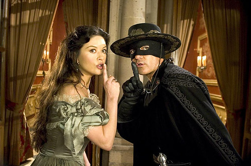 catherine-zeta-jones-antonio-banderas-legend-of-zorro