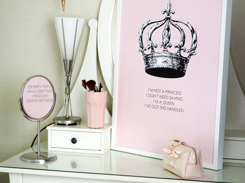 desenio princess juliste