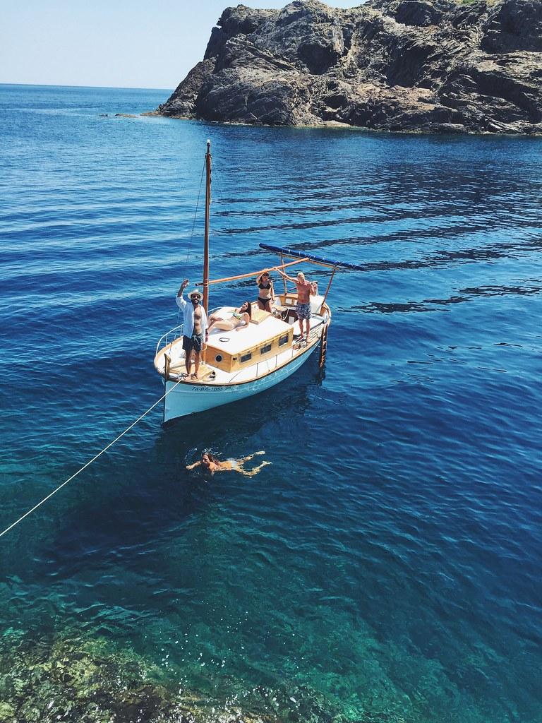 _ilcarritzi_cadaqués_ralph_lauren_calvin_klein_ray_ban_timberland_raceu_hats_calvin_klein_summer_sailing_duck_shoes_llaut_