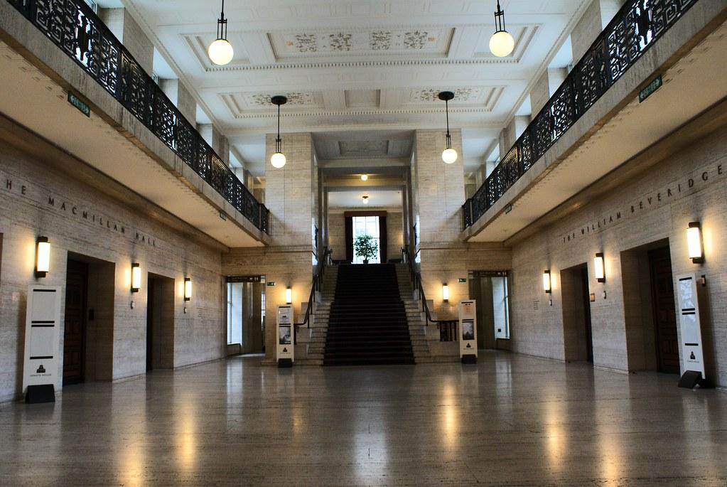 A l'intérieur de la Senate House à Londres.