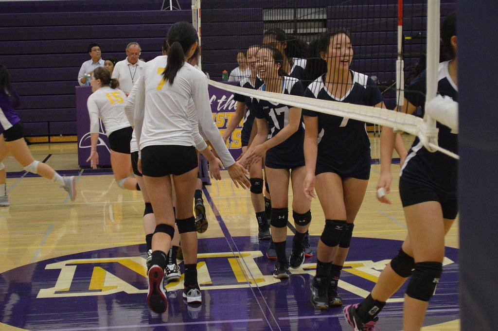 Girls volleyball: MVHS vs Lynbrook HS