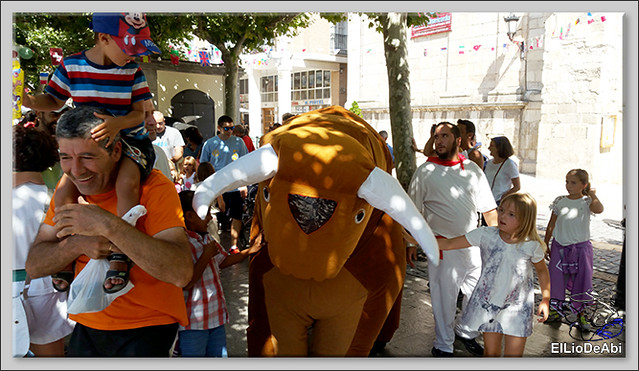 Briviesca en Fiestas 2016 Chocolatada, encierro infantil y verbena (8)